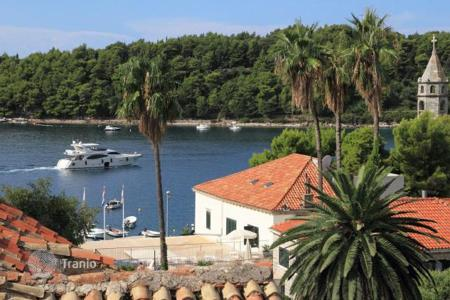 Property for sale in Dubrovnik Neretva County. Furnished villa with sea view, registered as a cultural heritage, Cavtat, Croatia