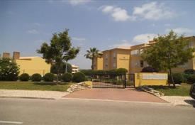 Apartments with pools for sale in Portugal. Apartment in a gated condominium with a pool, Vilamoura, Portugal