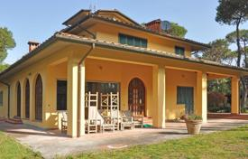 Luxury 4 bedroom houses for sale in Tuscany. Villa – Marina di Massa, Tuscany, Italy