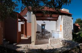 Cheap residential for sale in Croatia. Duplex Apartment 100 meters from the beach in a cassock, the island of Brac. Reduced price!