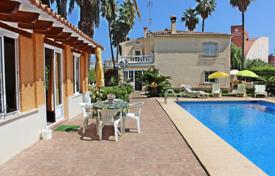 Houses with pools by the sea for sale in Gandia. Villa – Gandia, Valencia, Spain