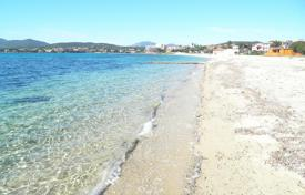 Coastal property for sale in Sardinia. In the splendid setting of Golfo Aranci there is the opportunity to buy one of only 6 unit properties only 20 metres from the beach
