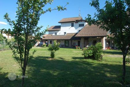 Residential for sale in Lombardy. Elegant and comfortable villa near PAVIA