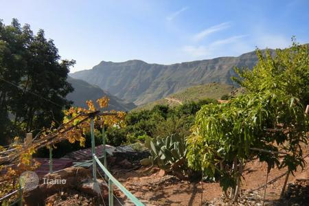 Cheap 1 bedroom houses for sale in Spain. Finca in the Mountains