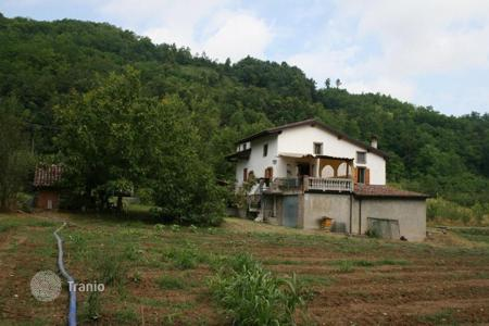Agricultural land for sale in Emilia-Romagna. Farm in the hills of Piacenza