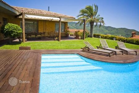Houses for sale in Argentona. Villa - Argentona, Catalonia, Spain