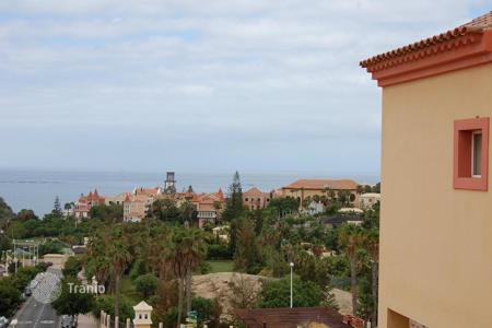 3 bedroom apartments for sale in Tenerife. Apartment – La Caleta, Canary Islands, Spain