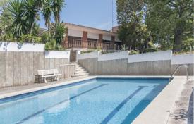 Houses with pools for sale in Tarragona. Villa – Calafell, Catalonia, Spain