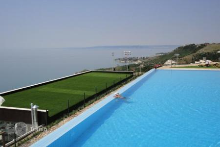 Apartments with pools by the sea for sale in Dobrich Region. Apartment – Dobrich Region, Bulgaria