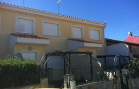 Cheap residential for sale in Salamanca. Villa – Salamanca, Castille and Leon, Spain