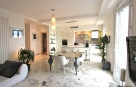 3 bedroom apartments for sale in Cimiez. Luxury apartment with a terrace, on the top floor of a prestigious residential complex, Cimie, Nice, France