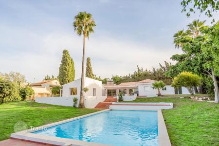Houses with pools for sale in Malaga. Villa – Malaga, Andalusia, Spain