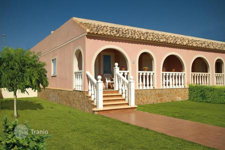 Cheap houses for sale in Murcia. Cosy house with a terrace, Sierra Golf, Spain