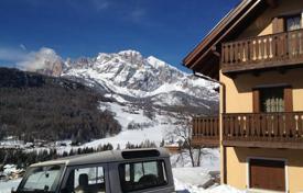 Luxury apartments for sale in Alps. Apartment – Cortina d'Ampezzo, Veneto, Italy