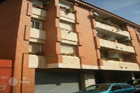 Cheap 4 bedroom apartments for sale in Terrassa. Apartment – Terrassa, Catalonia, Spain