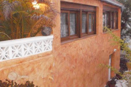 2 bedroom houses for sale in Tenerife. Villa - Chayofa, Canary Islands, Spain