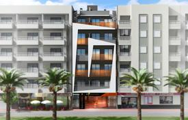 New homes for sale in Spain. Two-bedroom furnished penthouse with a solarium 150 meters from the beach in Torrevieja