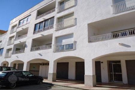 Foreclosed 3 bedroom apartments for sale in Costa Brava. Apartment - Roses, Catalonia, Spain