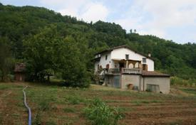 Property for sale in Carpaneto Piacentino. Farm in the hills of Piacenza