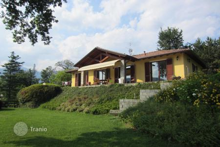3 bedroom houses for sale in Piedmont. Villa – Vignone, Piedmont, Italy