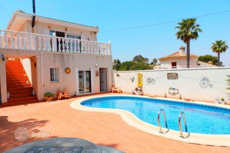 3 bedroom houses for sale in Costa Blanca. Villa with garden, swimming pool, guest house, not far from the sea, in Torrevieja, Alicante, Spain