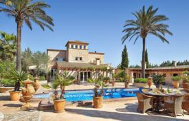 Luxury residential for sale in Majorca (Mallorca). Spacious villa with a landscaped garden, a swimming pool and a tennis court, Santa Eugenia, Spain