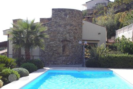 Houses with pools for sale in Liguria. Villa – Sanremo, Liguria, Italy