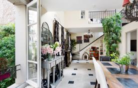 Luxury residential for sale in Ile-de-France. Boulogne North – A 340 m² period property with a garden