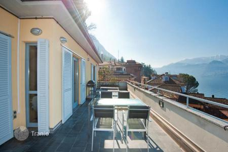 2 bedroom apartments for sale in Lombardy. Splendid apartment with terrace and lake view