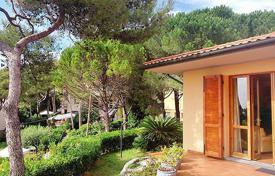 Luxury 5 bedroom houses for sale in Castiglioncello. Villa – Castiglioncello, Tuscany, Italy