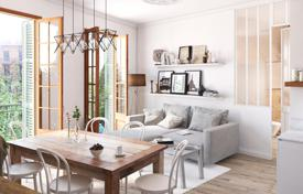 Residential for sale in Spain. Bright corner flat in Eixample