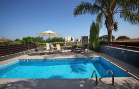 Houses with pools for sale in Cyprus. Villa with garden and swimming pool not far from the beach