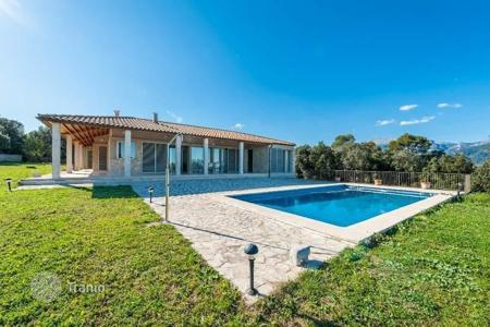 4 bedroom houses for sale in Balearic Islands. Beautiful villa offering breathtaking views over the Bay of Alcudia in Selva, Majorca