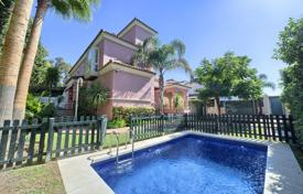 6 bedroom houses for sale in Andalusia. Splendid Townhouse at the Sea, San Pedro Playa, San Pedro de Alcántara