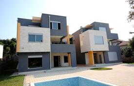Houses with pools by the sea for sale in Ulcinj (city). Villa – Ulcinj (city), Ulcinj, Montenegro