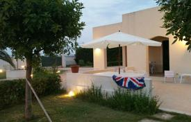 Coastal houses for sale in Sicily. Villa with a spacious veranda, Syracuse, Italy
