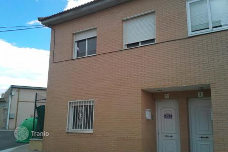 Cheap 4 bedroom houses for sale in Aragon. Villa - Saragossa, Aragon, Spain