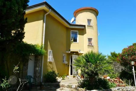 Property for sale in Cipressa. Villa - Cipressa, Liguria, Italy