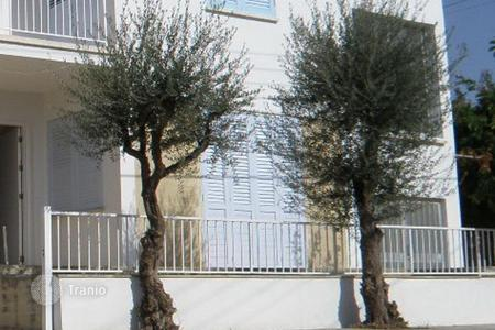 6 bedroom houses for sale in Aglantzia. Ground floor house and upper house in Platy — Aglantzia