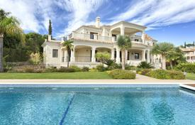 Luxury houses with pools for sale in Andalusia. Fabulous Classic Style Villa, El Paraiso Alto, Benahavis