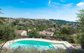 5 bedroom houses for sale in Biot. Cannes backcountry — Charming villa close to village