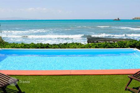 Villas and houses for rent with swimming pools in Talamone. Villa Lantana