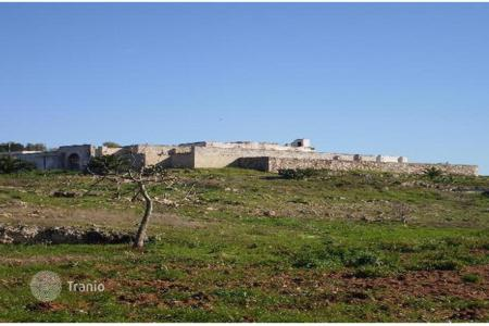 Property for sale in Gallipoli. Farm in a coastal zone overlooking Gallipoli's gulf, Apulia