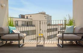 Penthouses for sale in Germany. Three-bedroom penthouse with a terrace on the bank of the Landwehr Canal, Tiergarten district, Berlin, Germany