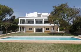4 bedroom houses for sale in Faro. 6 Bedroom villa with annex, pool and stunning sea views between Portimao and Alvor