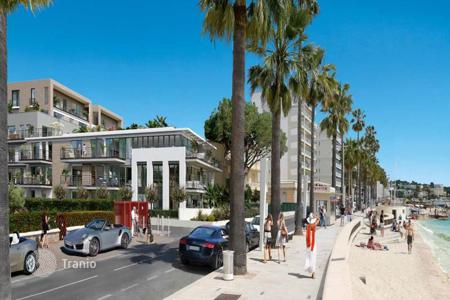 New homes for sale in France. New one-bedroom apartment at the waterfront of Juan les Pins, Antibes, France