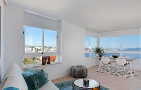 Apartments with pools for sale in Majorca (Mallorca). Stylish apartment on the first line of the sea, with direct access to the beach, Illetas, Mallorca, Spain