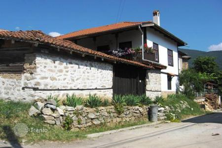 6 bedroom houses for sale in Bulgaria. Detached house - Velingrad, Pazardzhik, Bulgaria