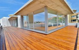 Residential for sale in Estoril. Duplex apartment with panoramic sea views in Estoril, Portugal