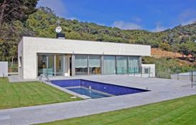 5 bedroom houses by the sea for sale in Blanes. Villa – Blanes, Catalonia, Spain